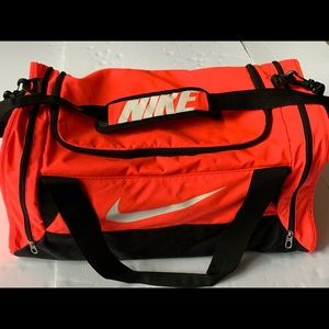 Nike Vintage Bright Pink Big Duffel Gym Bag